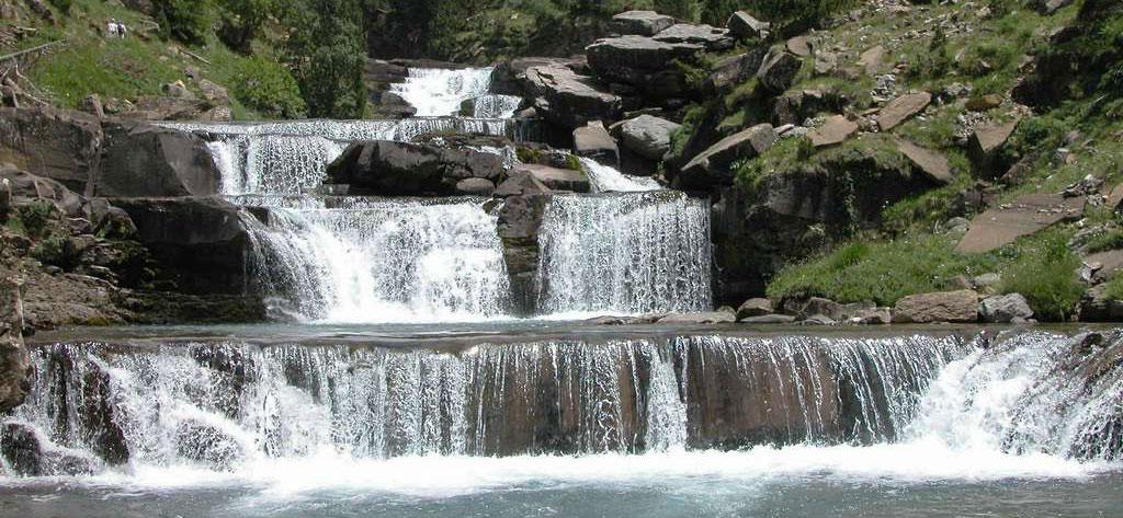 Saltos de agua y pozas naturales en Ordesa