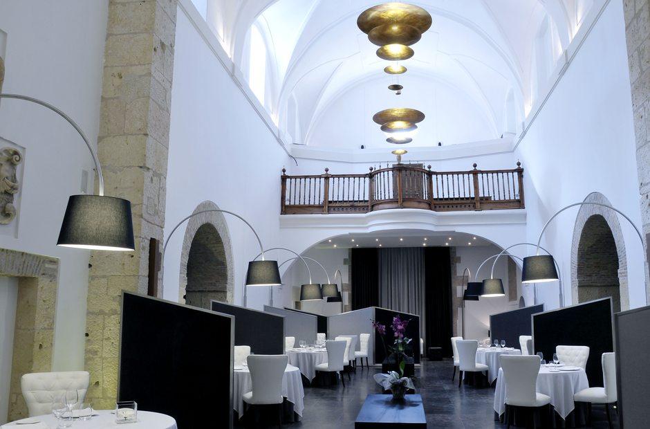 Segovia 8 pasos de modernidad lujo y estilo para sus 8 - Restaurante villena segovia ...