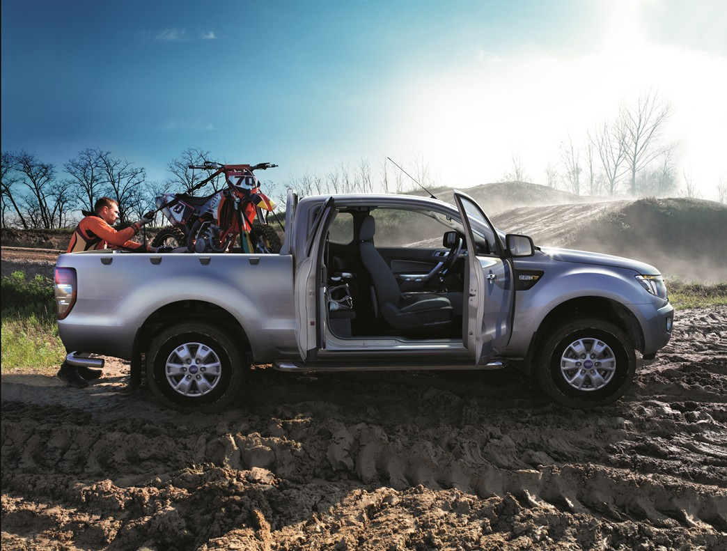 The Ford Ranger with a Motocross bike