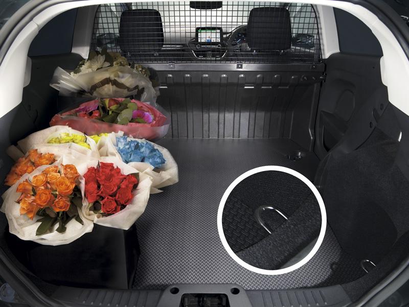 Zona de carga de Ford Fiesta Van 2018 con detalle de un anclaje