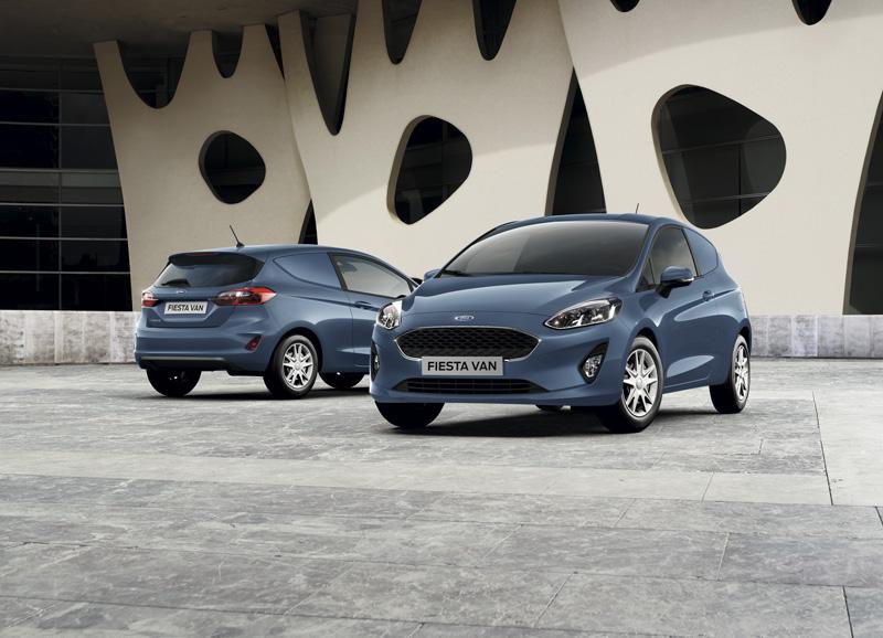 Frontal y trasera de Ford Fiesta Van 2018