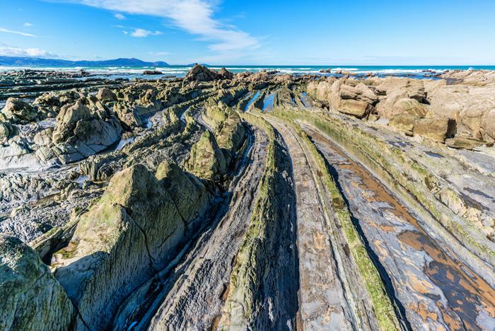 Detalle del flysch con la marea baja ©David González Rebollo, iStock