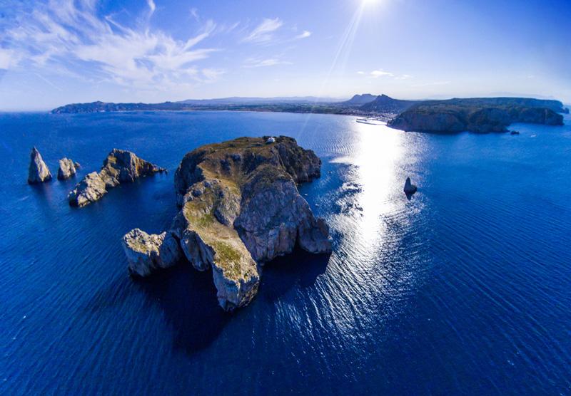 Vista aérea de las Islas Medas ©Eloi_Omella, iStock