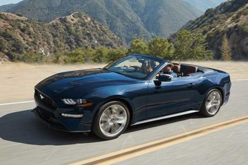 2019-mustang-ecoboost-convertible-kona-blue