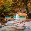 ¿Un baño en aguas turquesa en un bosque encantado? Vente a Urbasa